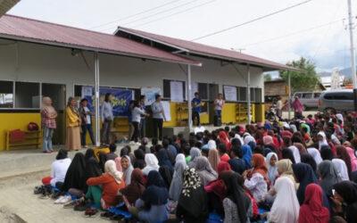 Sulawesi: Door giften uit NL krijgen 1000 mensen voedsel