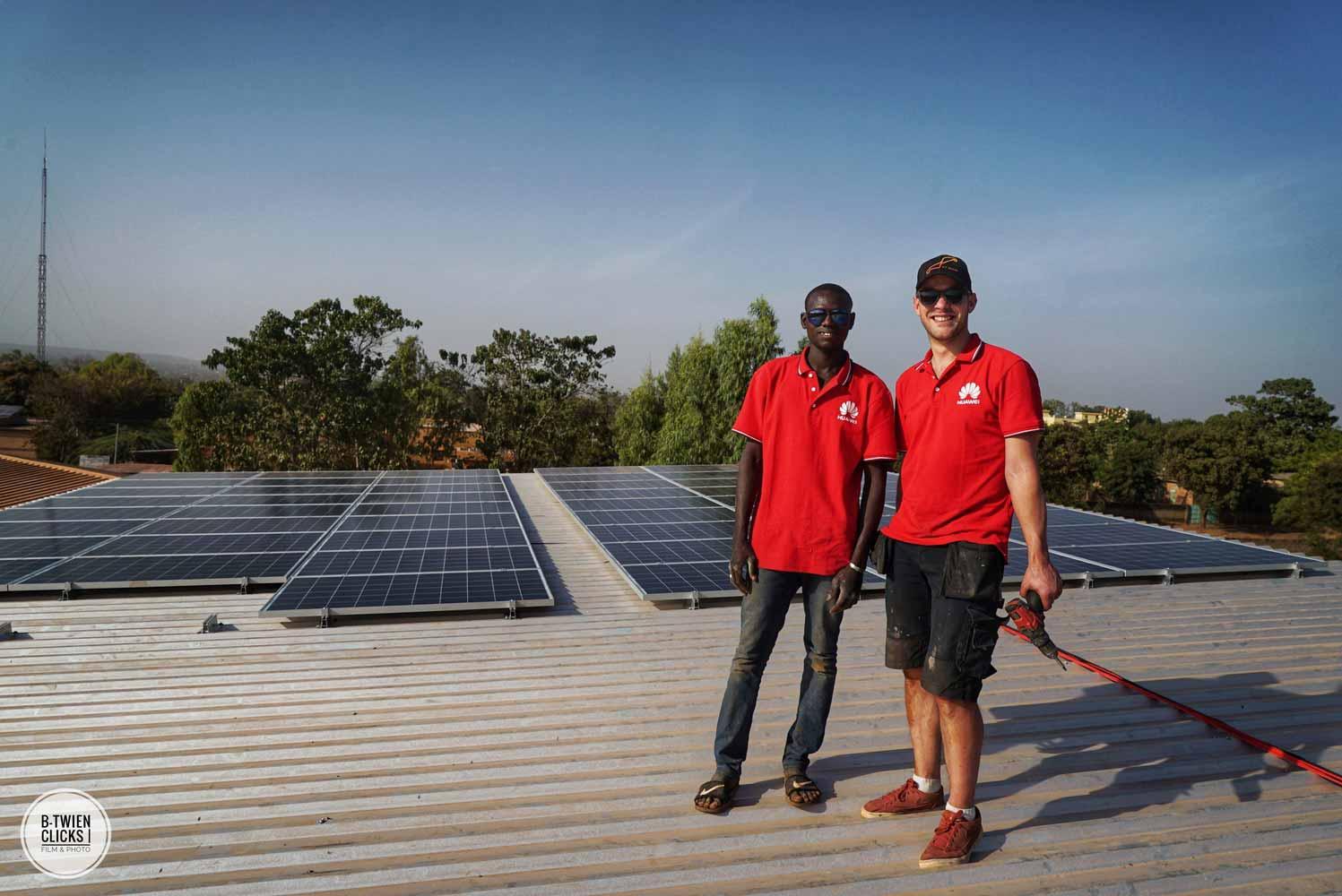 Zonnepanelen-dak-Afrika